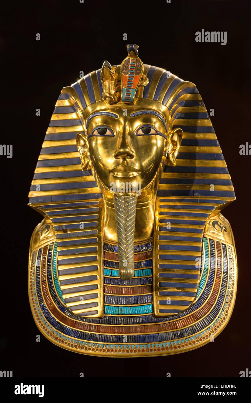 A replica of Tutankhamun golden burial mask - Stock Image