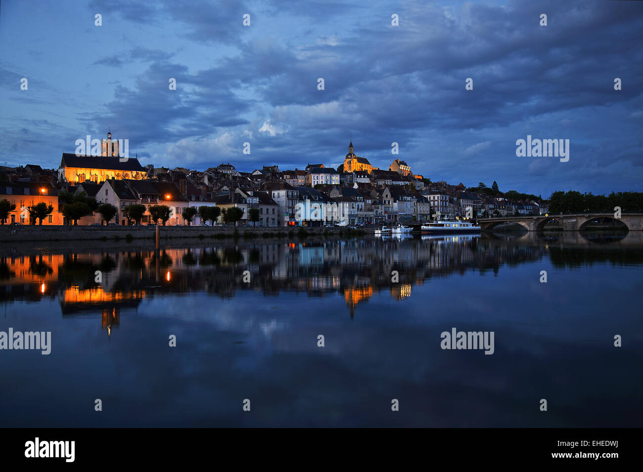 Joigny at the edge of Yonne river, France - Stock Image