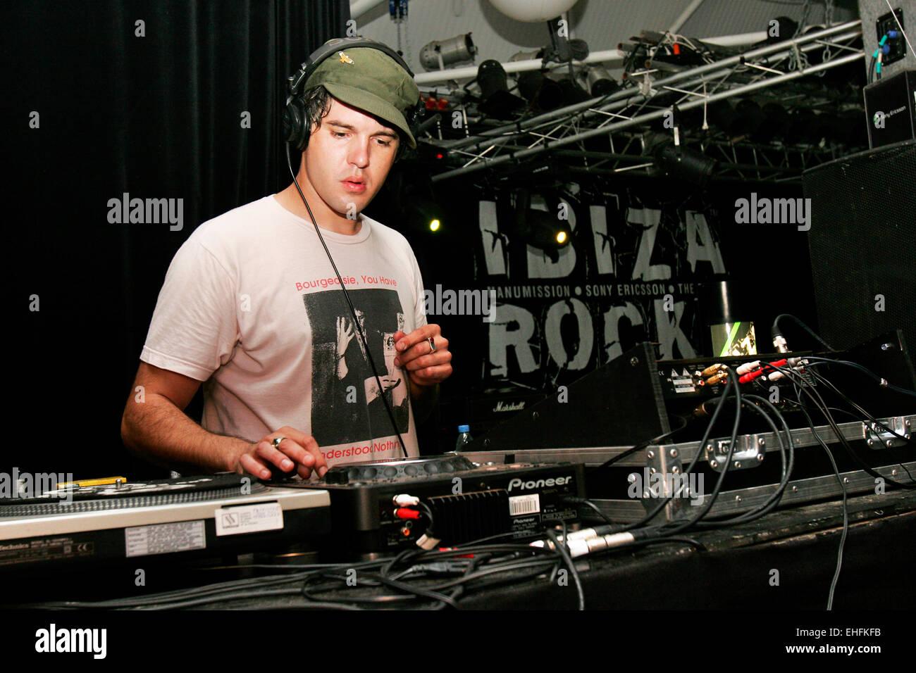 Paul Epworth DJing at Ibiza Rocks at Manumission in Ibiza. - Stock Image