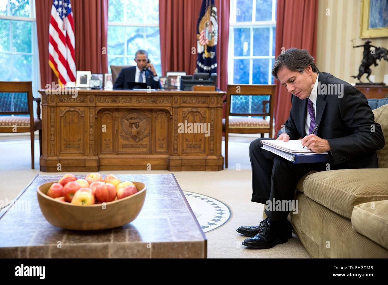 US President Barack Obama talks with Afghanistan presidential candidate Abdullah Abdullah during a phone call in Stock Photo
