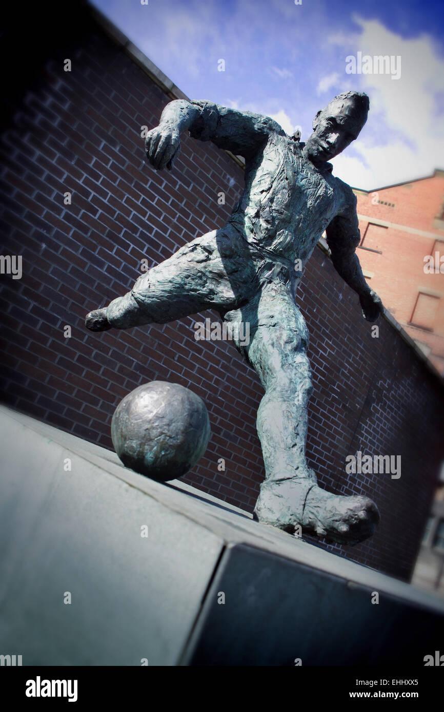 'Wor Jackie' Sculpture of footballer Jackie Milburn - Stock Image