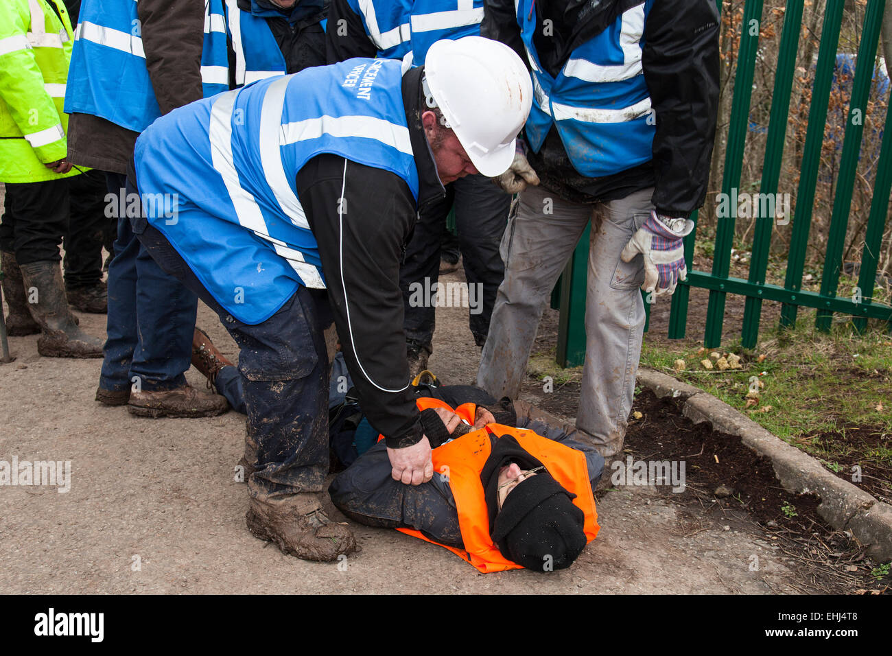 Bristol, UK. 14th Mar, 2015. Specialist eviction teams and enforcement officers have evicted more protesters from - Stock Image