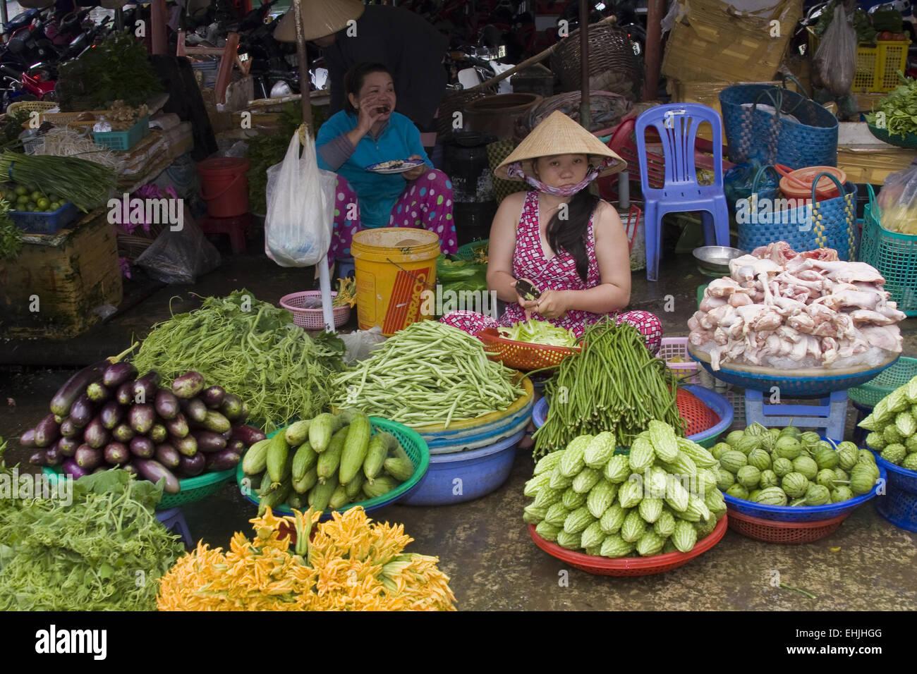 Market-scene,vegetablevendors,Phu,Quoc,Vietnam,Asi - Stock Image