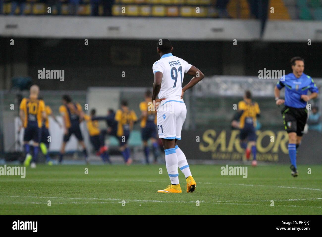 ITALY, Verona:Napoli's forward Esteban Duvan Zapata looks while Verona's players celebrates goal 1 - 0 during - Stock Image