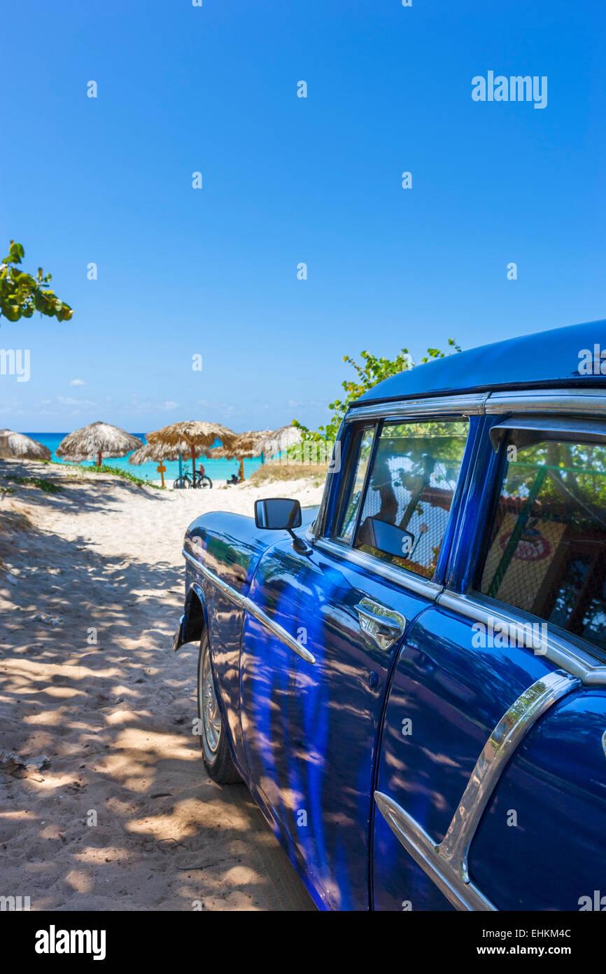 Cuba. Old American car on the beach in Varadero, Cuba - Stock Image