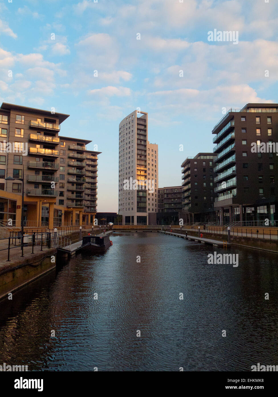 Clarence Dock, a modern shopping and leisure destination in central Leeds - Stock Image