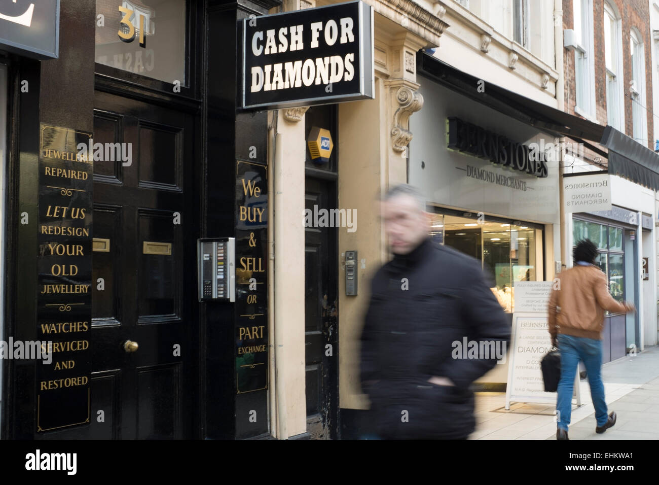 Hatton Garden Jewellery Shop Frontage With Cash For Diamonds Sign