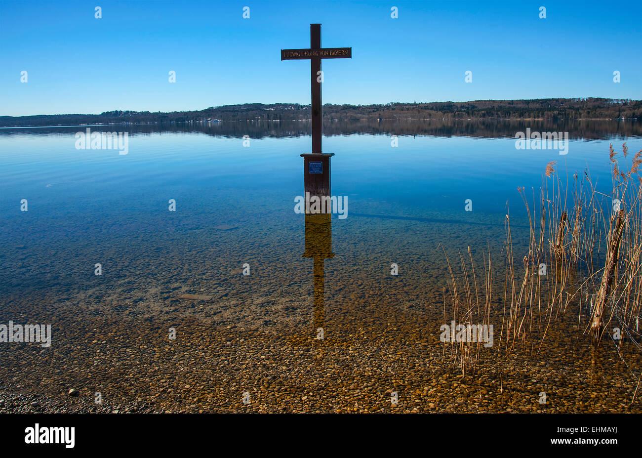 King Ludwig II. Memorial Cross, Lake Starnberg, Bavaria, Germany - Stock Image