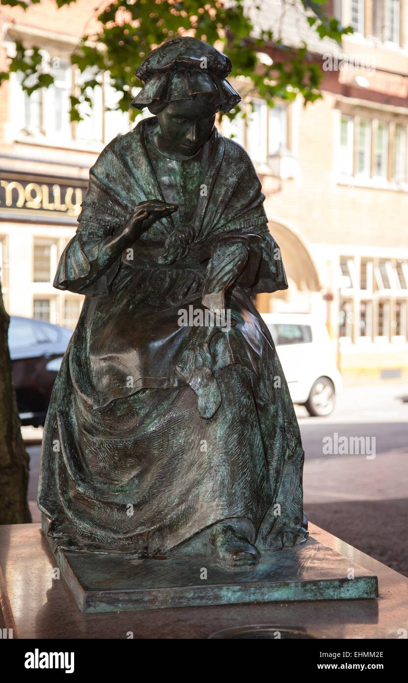 Statue of  the Leicester Seamstress, by James Butler. - Stock Image