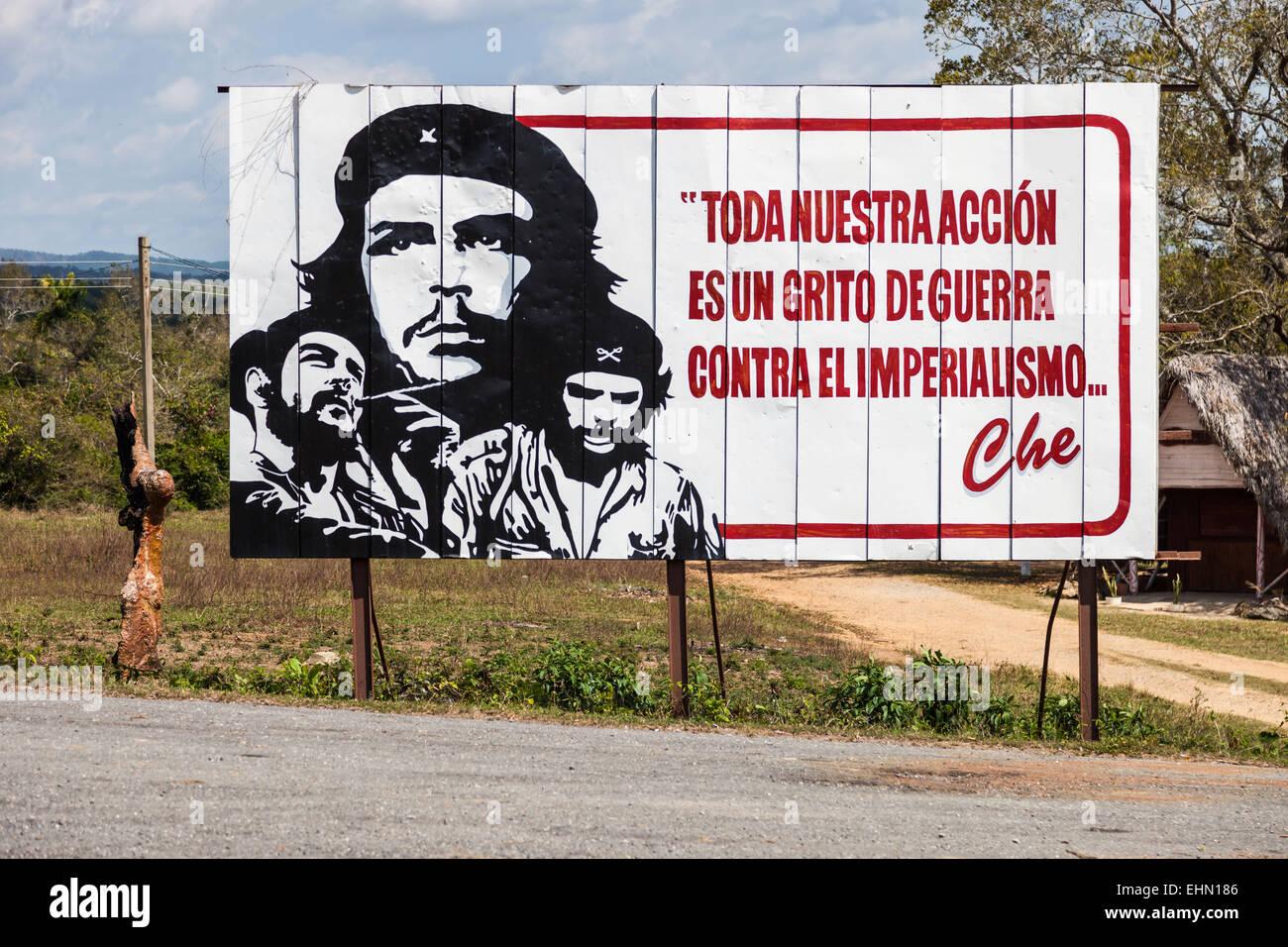 Anti-imperialist propaganda, with the portrait of Ernesto Che Guevara, Cuba. - Stock Image