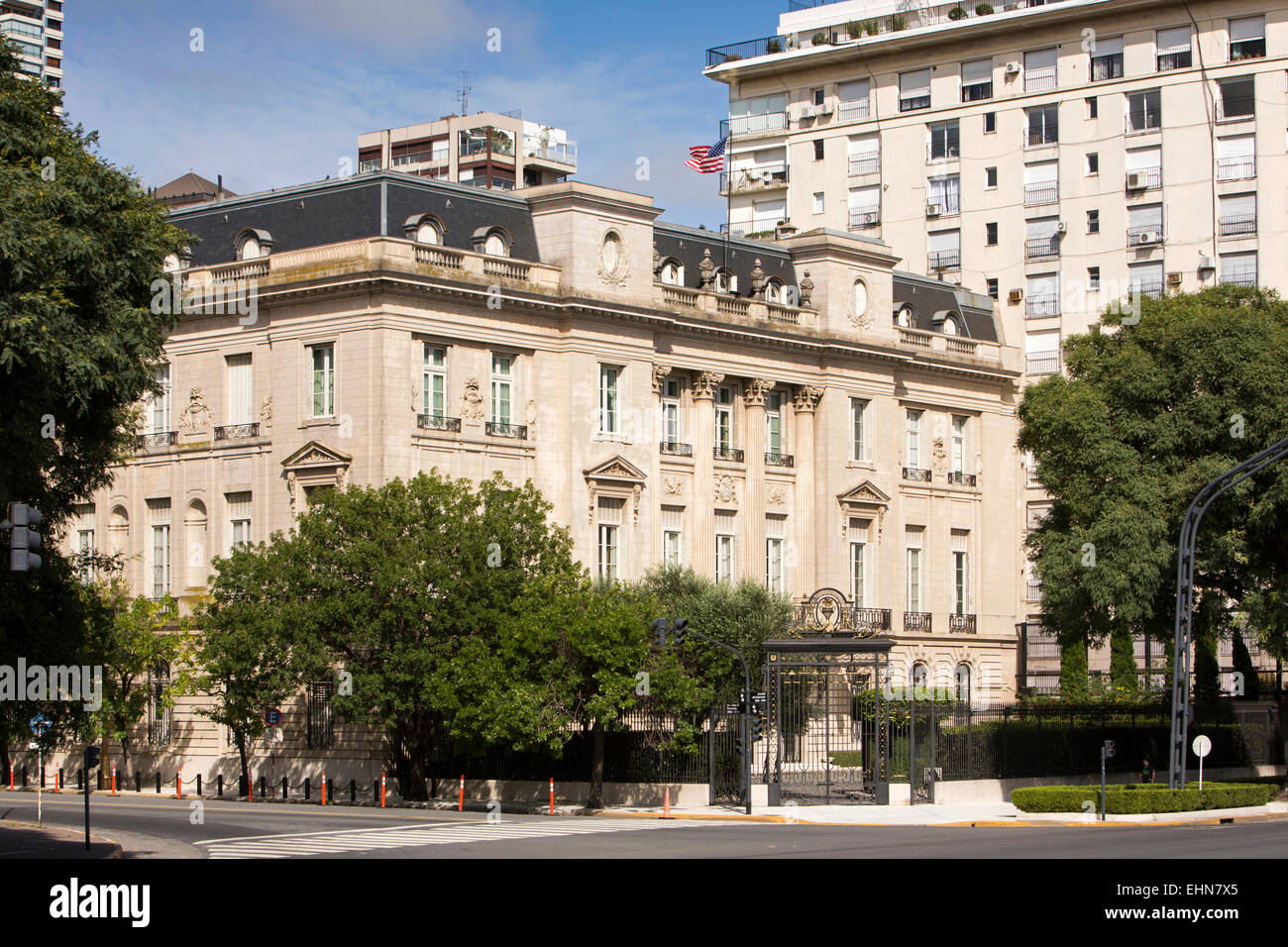 Argentina, Buenos Aires, Retiro, Av del Libertador, front of United States of America Embassy - Stock Image