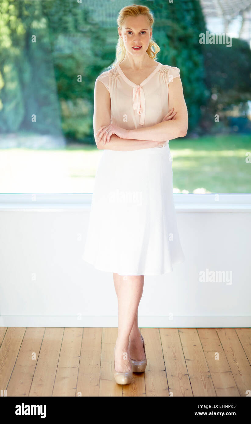 Full length portrait of attractive woman - Stock Image