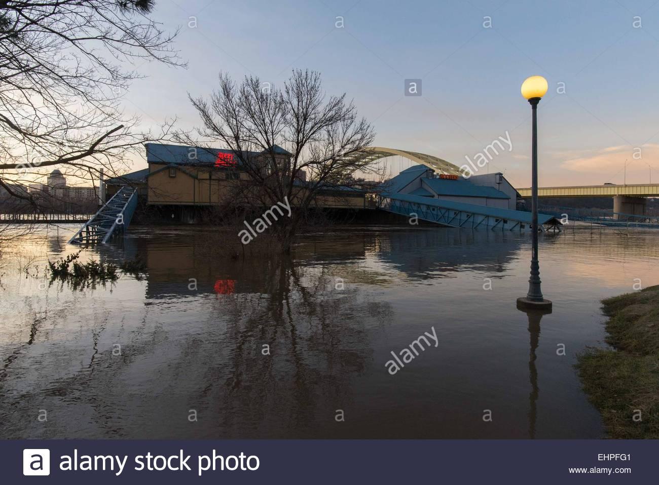 Cincinnati Ohio Usa 16th Mar 2015 Floodwaters From The Ohio