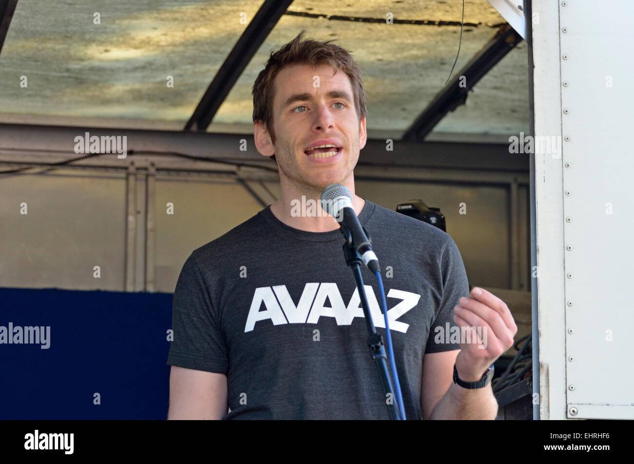 Bert Wander,  Media Campaigner (London) for AVAAZ.org - online activist organisation -  speaking in London 2015 - Stock Image