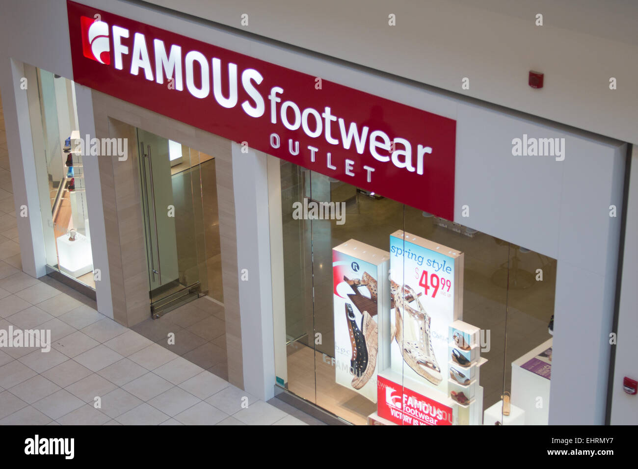 Fashion Outlets of Chicago mall