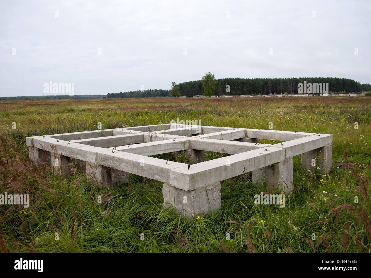 Pier Foundation For Small Country House Stock Photo Alamy
