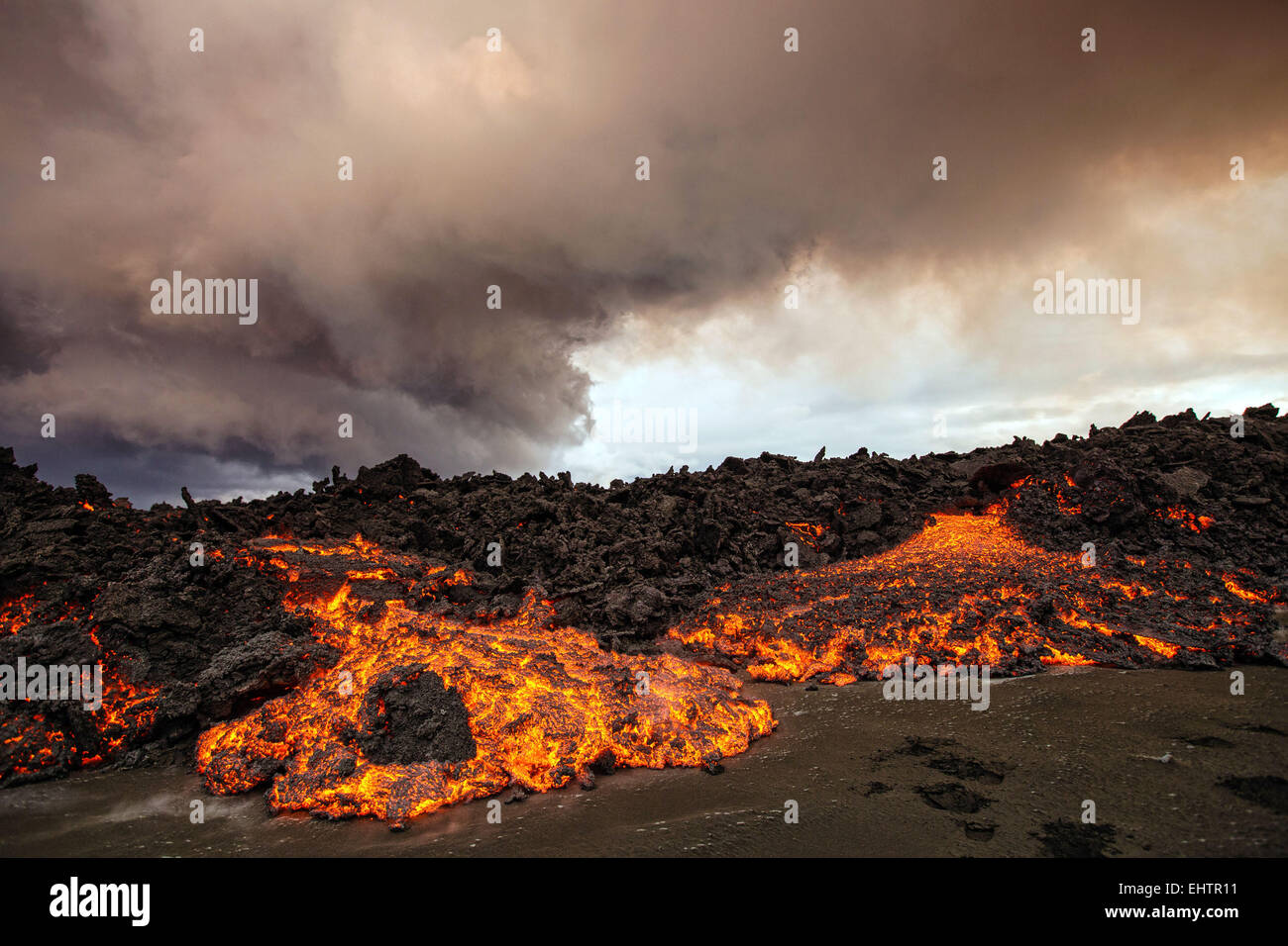 ERUPTION OF THE VOLCANO HOLUHRAUN, ICELAND - Stock Image