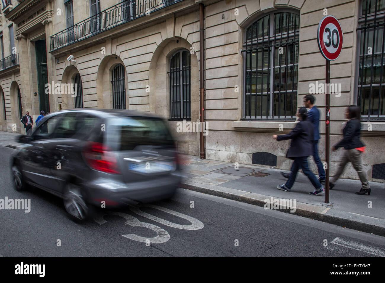 PARIS, 30 KM/H ZONE - Stock Image