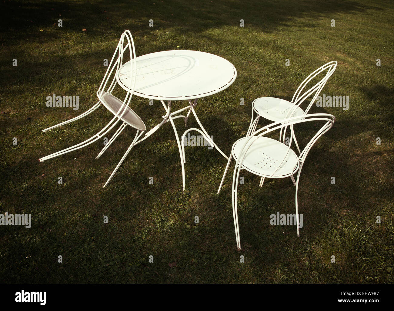 Swell White Metal Table And Chairs On The Lawn Garden Party Stock Interior Design Ideas Pimpapslepicentreinfo