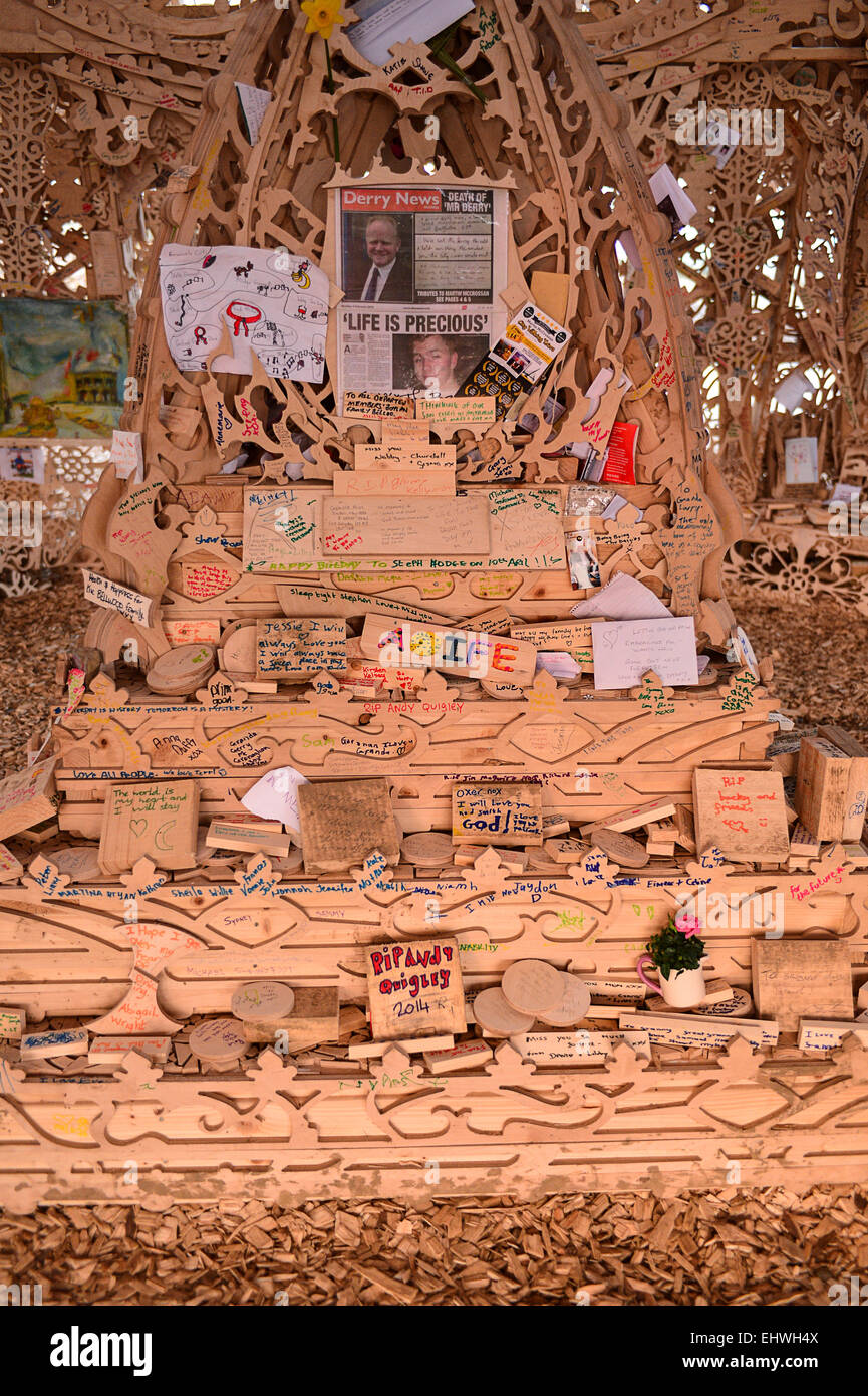 Londonderry, Northern Ireland. 18 March 2015. Messages left at the Burning Man Temple. Poignant messages left by - Stock Image
