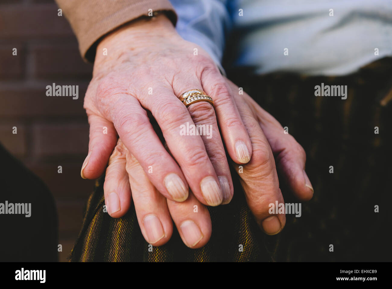 Wedding Ring On Old Hand Stock Photos & Wedding Ring On Old Hand ...