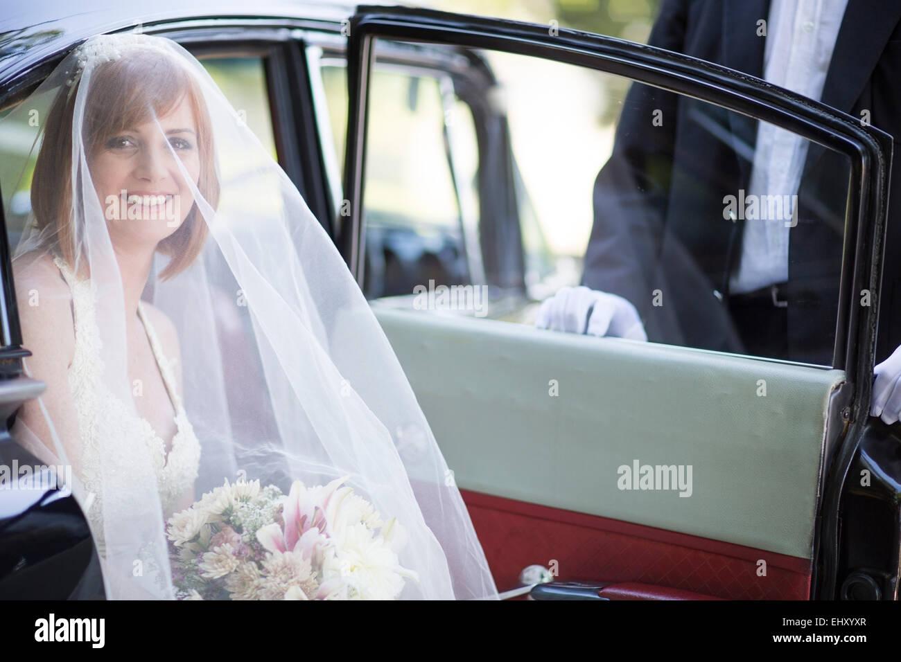 Wedding Chauffeur Stock Photos & Wedding Chauffeur Stock Images - Alamy