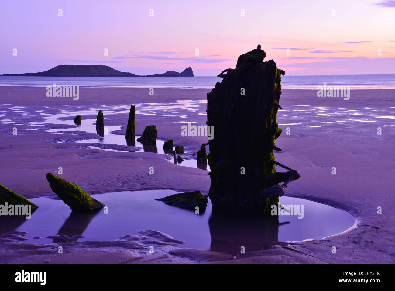 Shipwreck remains, Worms Head, Rhossili Bay, Gower - Stock Image