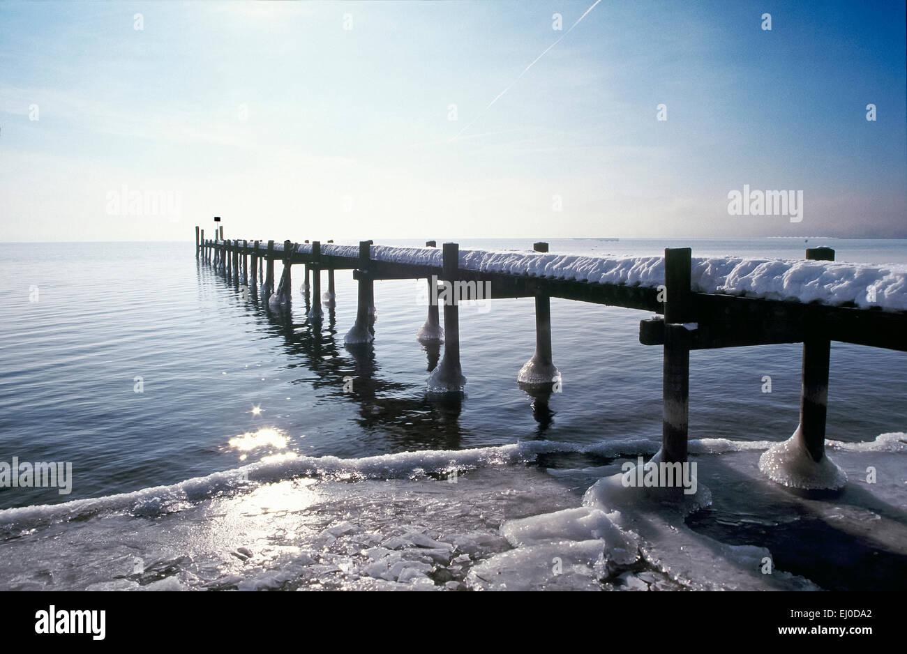 Bavaria, Europe, Germany, Upper Bavaria, Chiemsee, Herreninsel, Herrenwörth, Chiemgau, sky, lake, water, footbridge, - Stock Image