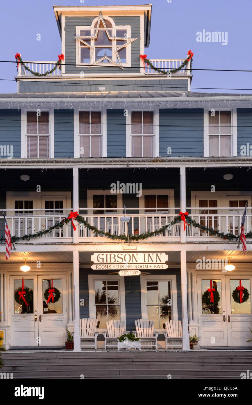 USA, Florida, Franklin County, Apalachicola, Gibson Inn, hotel, porch, gulf coast Inn - Stock Image