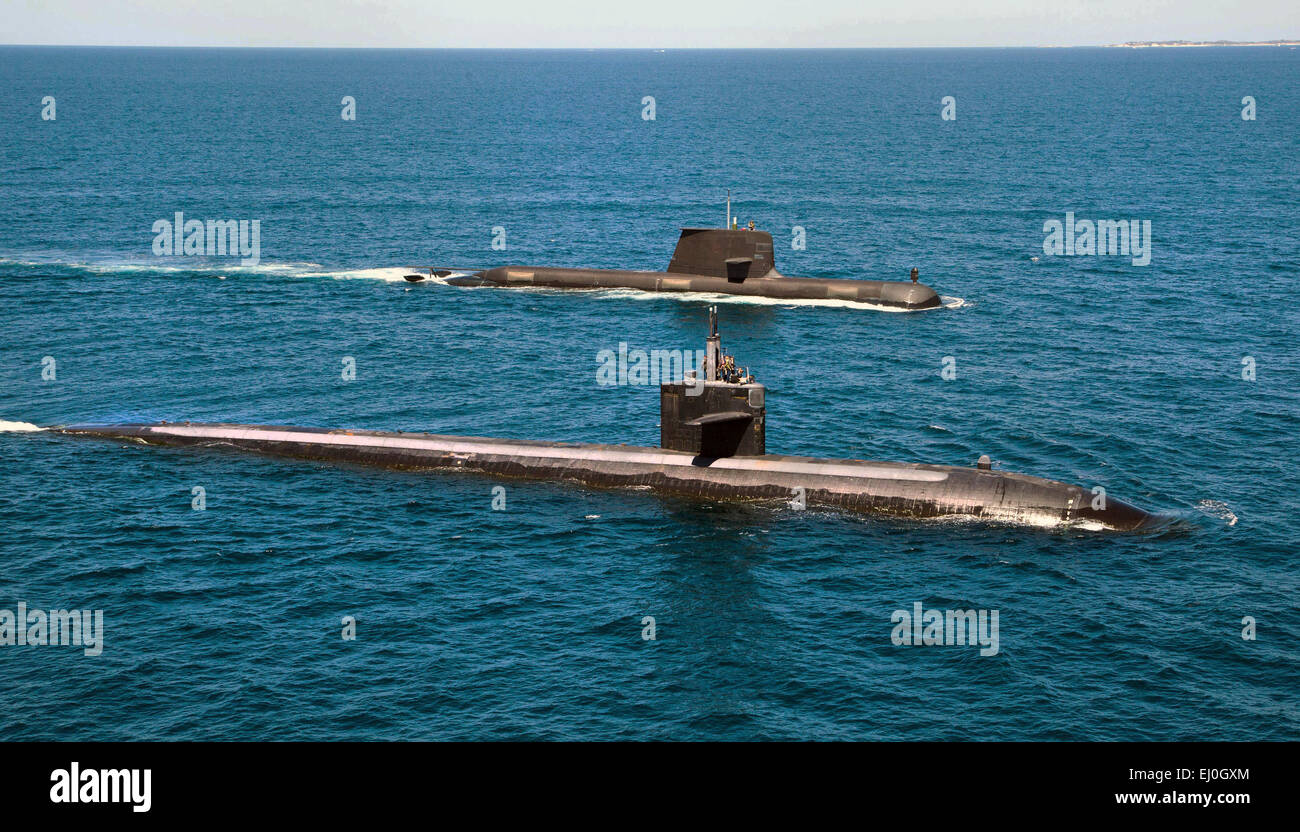 The US Navy Los Angeles-class fast attack submarine USS Albuquerque and Royal Australian Navy Collins-class submarine - Stock Image