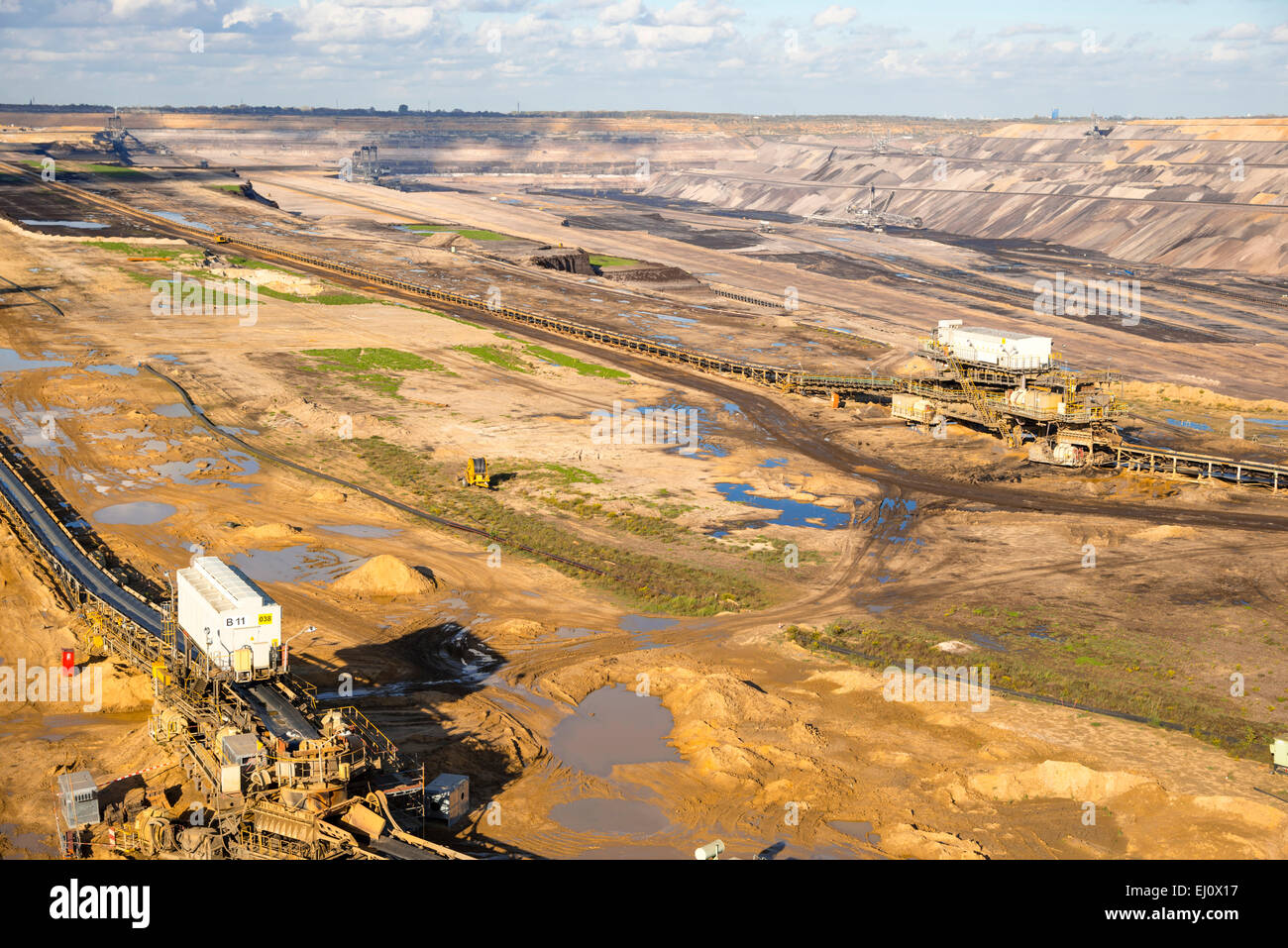 Dismantling, outside, brown coal, brown coal excavator, Germany, energy, power production, Europe, Hambach, industry, - Stock Image