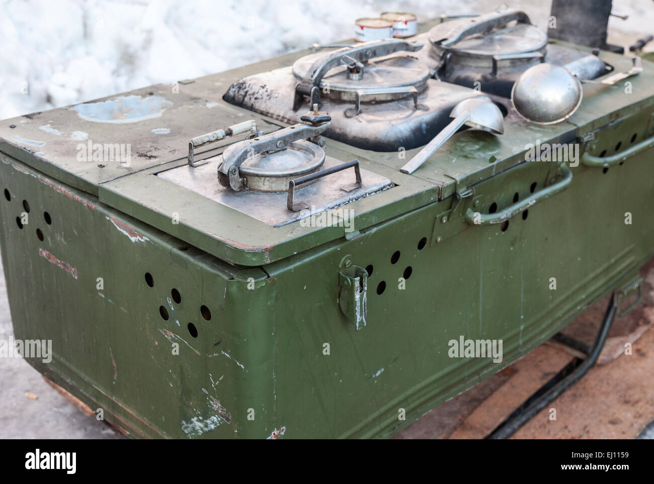 Mobile metal kitchen stove to feed soldiers - Stock Image