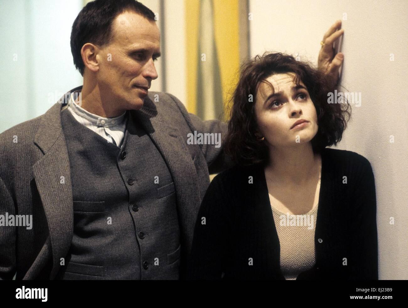 Mighty Aphrodite  Year: 1995  USA Director: Woody Allen Peter Weller, Helena Bonham Carter - Stock Image