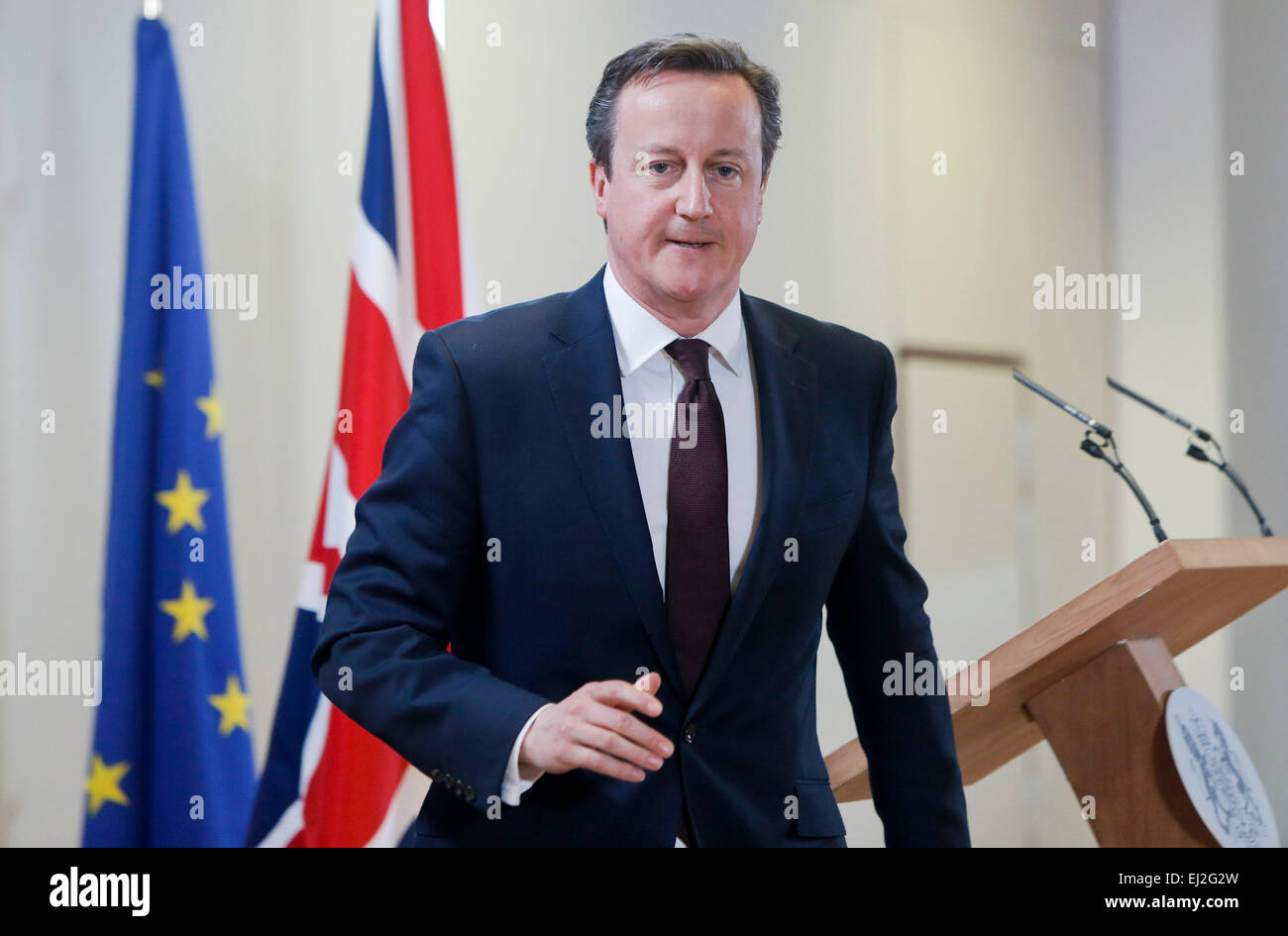 Brussels, Belgium. 20th Mar, 2015. British Prime Minister David Cameron leaves a press conference after the European Stock Photo