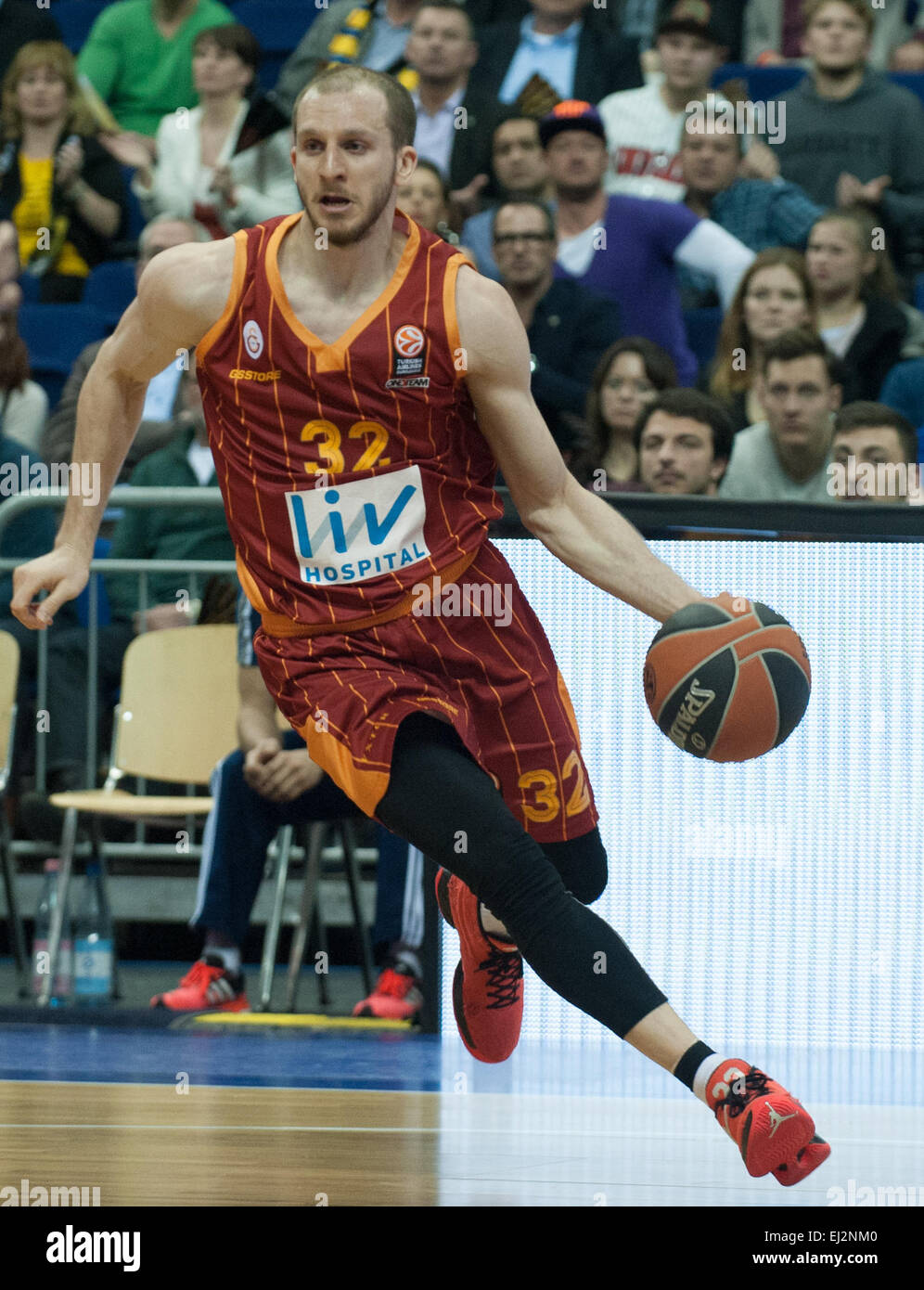 Galatasaray's Sinan Gueler in action during the Euroleague men's Group E match between ALBA Berlin and Galatasaray - Stock Image