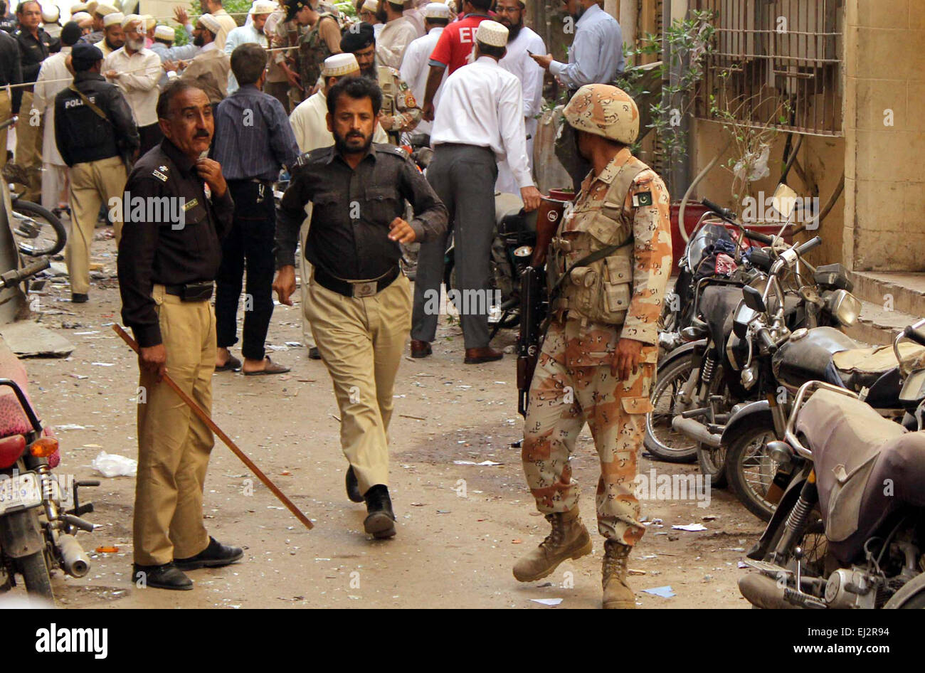 Chaos just after a bomb blast occurred outside Bohra Community Mosque near Pakistan Chowk in Karachi on Friday, - Stock Image