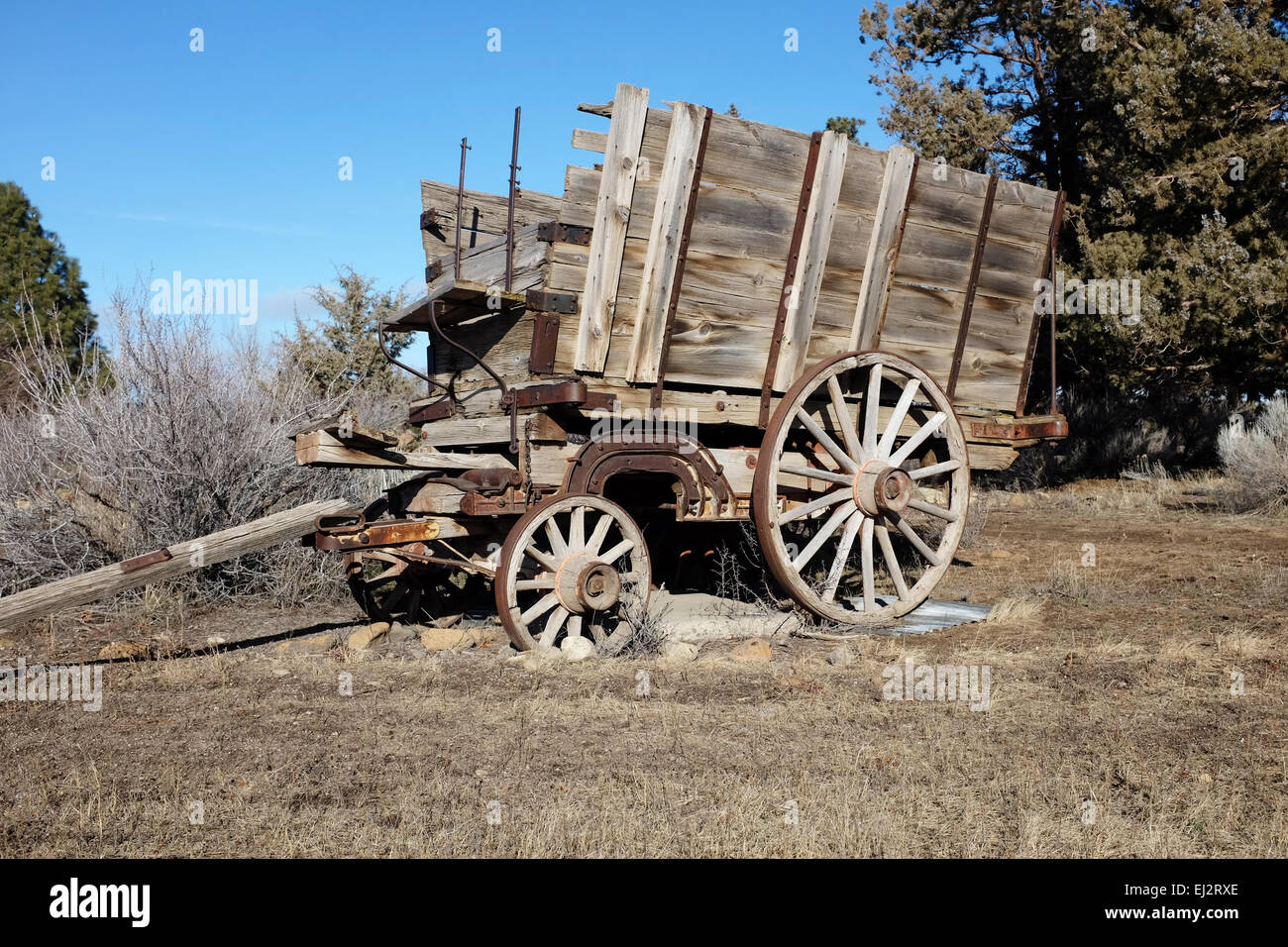 An old wooden logger's wagon in Bend, Oregon - Stock Image