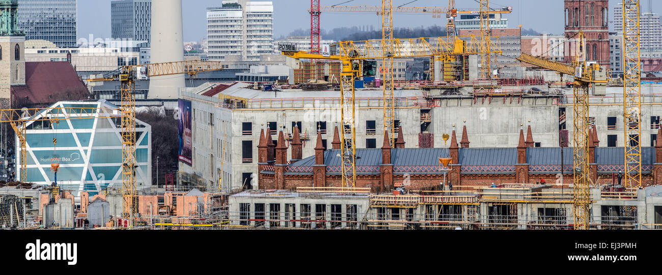 Schlossplatz construction site from distance. Humboldt Box is visible, panoramic view. - Stock Image