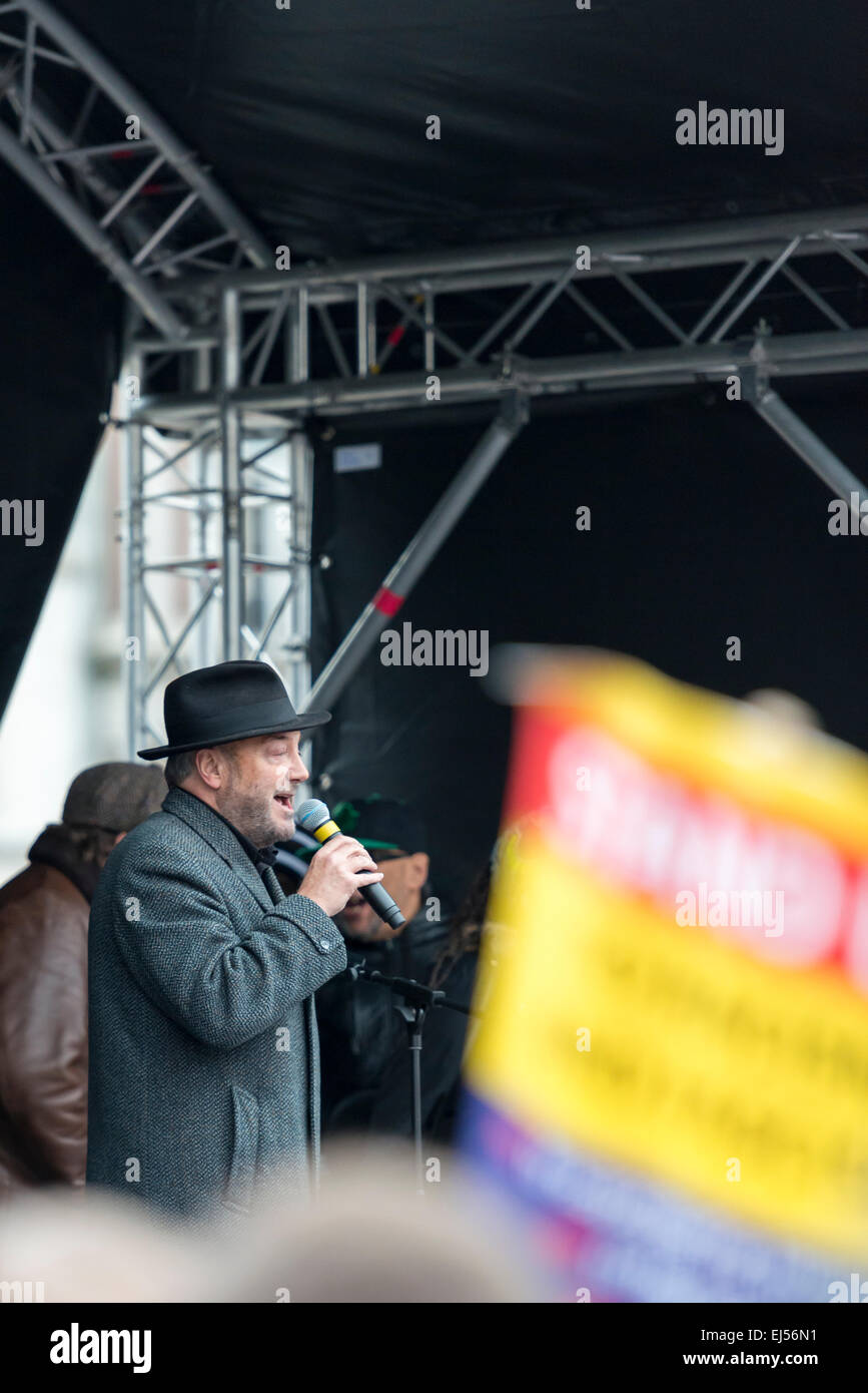 London, 21st March 2015 George Galloway MP of the Respect Party speaks to anti-racism protesters in Trafalgar Square - Stock Image