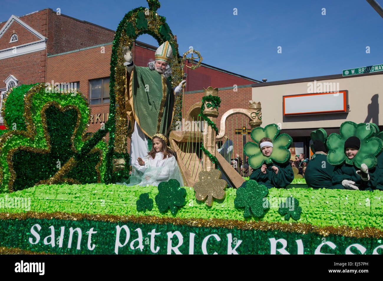 St. Patrick blessing crowd, St. Patrick's Day Parade, 2014, South Boston, Massachusetts, USA - Stock Image