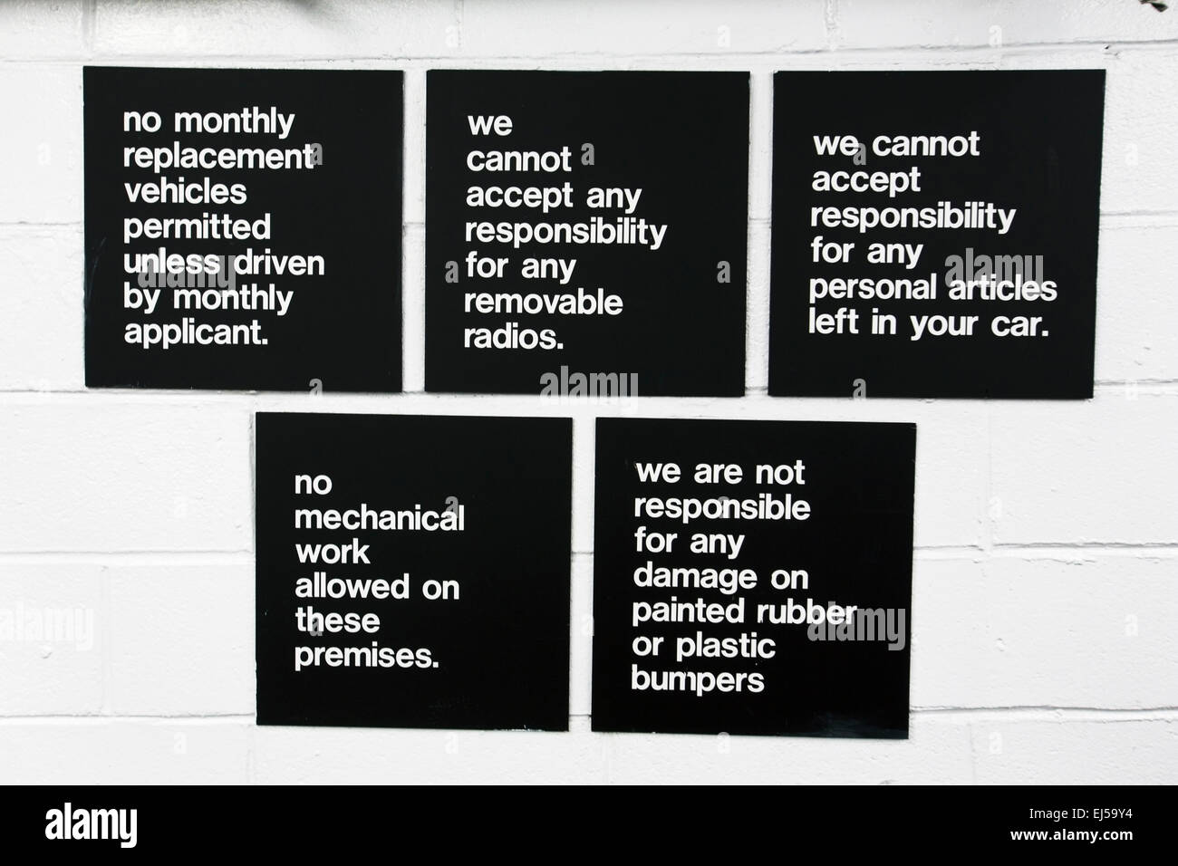 Garage sign stating 'no responsibility' for anything, NO, New York, USA - Stock Image