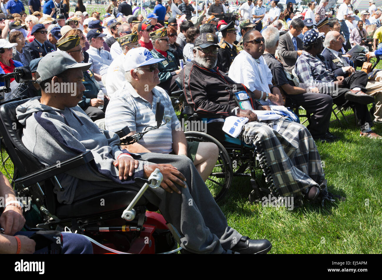 Wounded vets in wheel chairs at Los Angeles National Cemetery Annual Memorial Event, May 26, 2014, California, USA - Stock Image