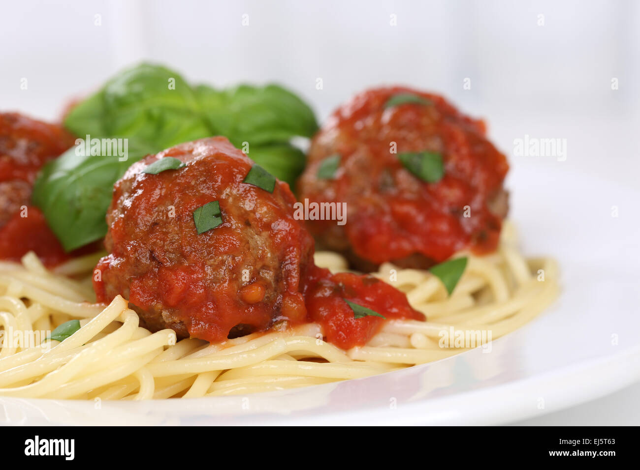 how to cook meatballs for spaghetti