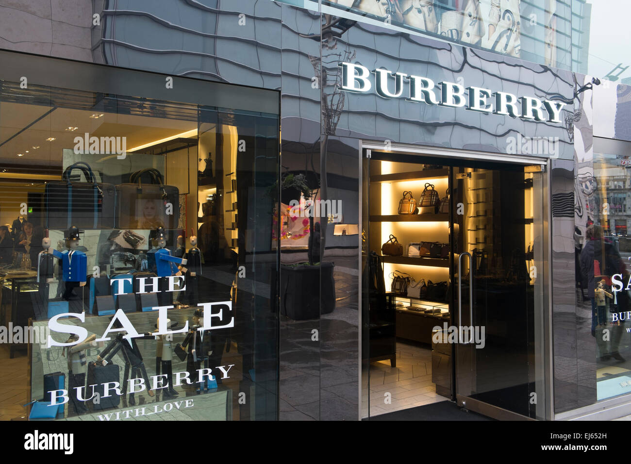 burberry luxury brand store shop in st anns street manchester england stock photo 80040985 alamy. Black Bedroom Furniture Sets. Home Design Ideas