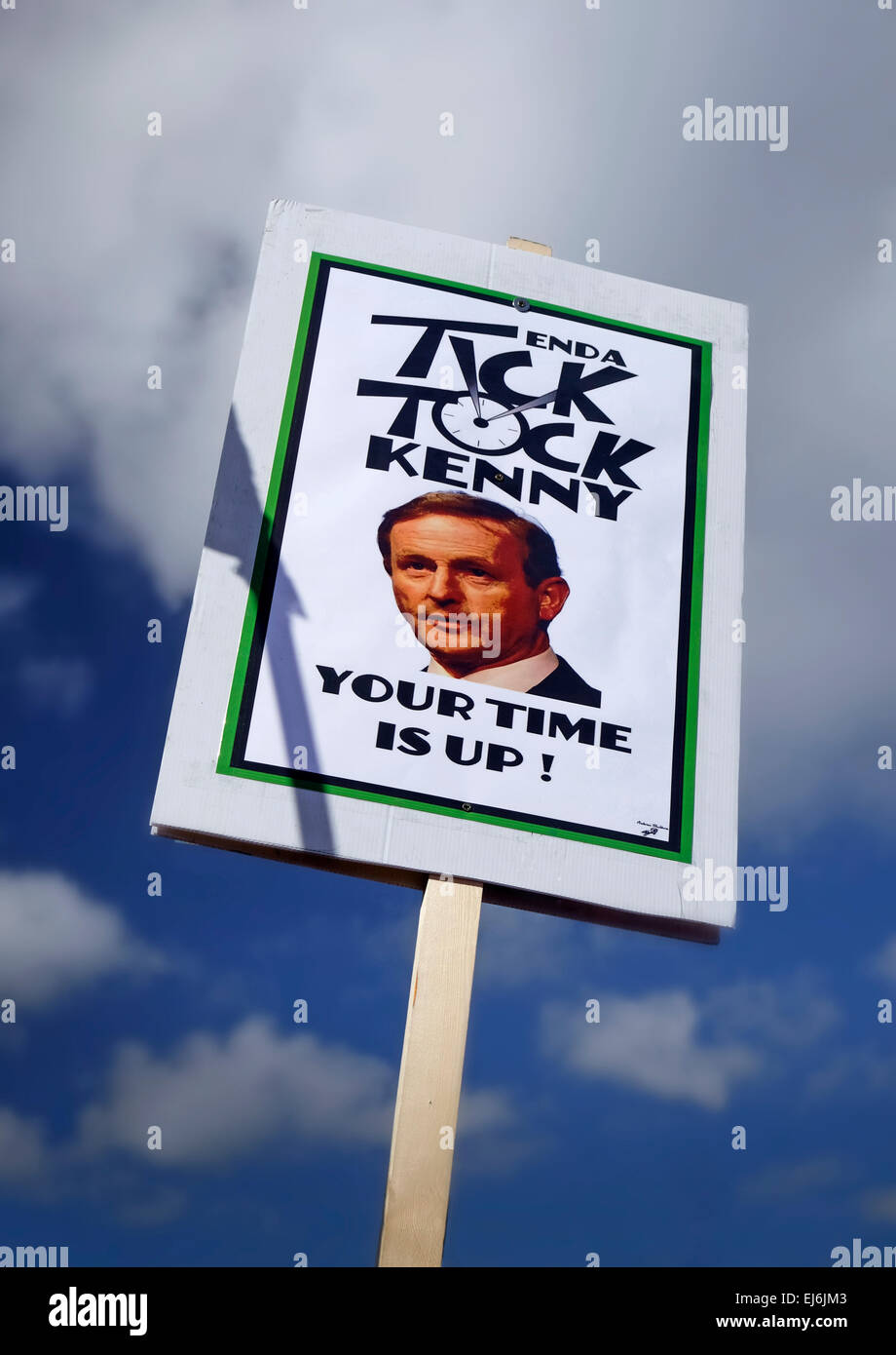 Water march Anti-water charges protest poster warning Enda Kenny (Irish Prime Minister)  that his reign is over. - Stock Image