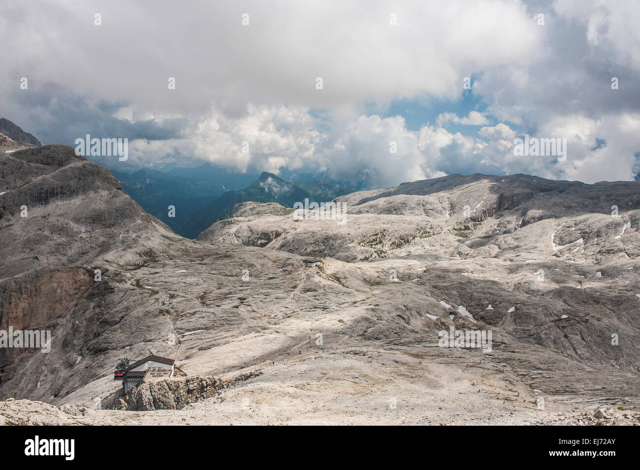 Rosetta Plateau, on the left cable car station of San Martino di Castrozza, at the back the Rosetta Refuge, 2578 - Stock Image
