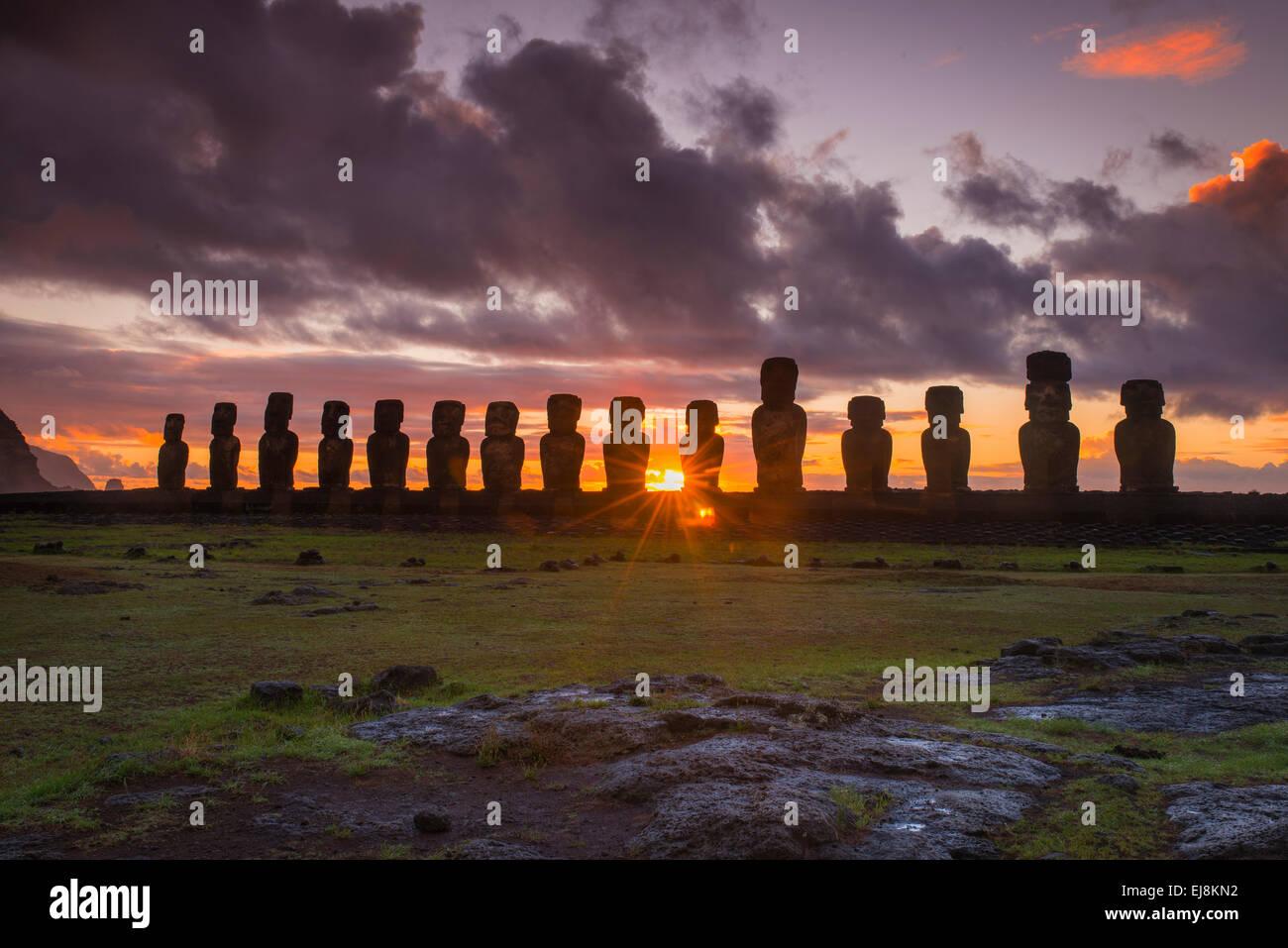Sunrise at Tongariki, Rapa Nui, Easter Island, Isla Pascua - Stock Image