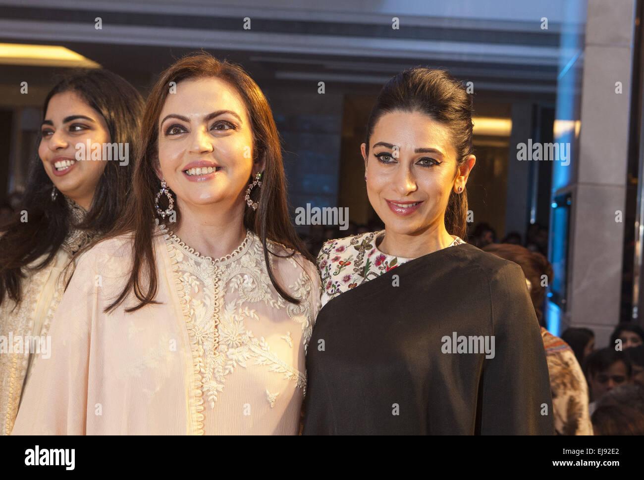 Mumbai, Maharashtra, India. 22nd Mar, 2015. 22 March 2015 : Mumbai - INDIA.Nita Ambani (L) & Actress Karishma - Stock Image