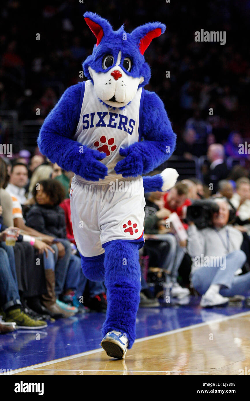March 13 2015 Philadelphia 76ers Mascot Franklin In Action During Stock Photo Alamy