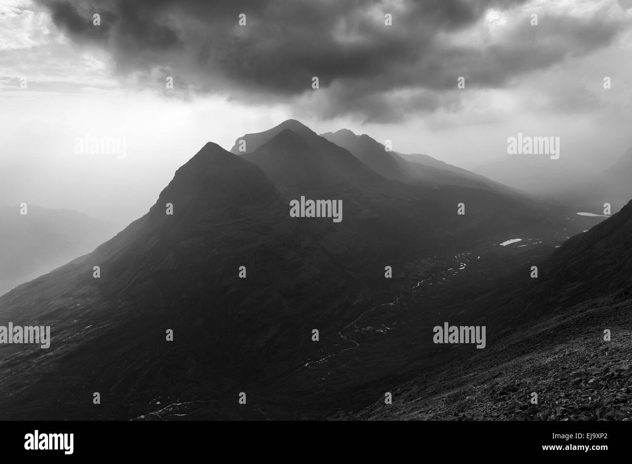 Liathach seen from the ridge of Beinn Eighe on a hazy day in Torridon - Stock Image